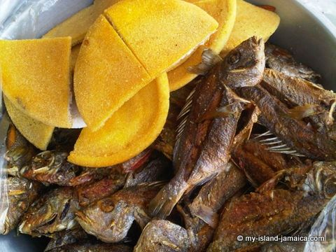 photo of Jamaican bammy with fried fish