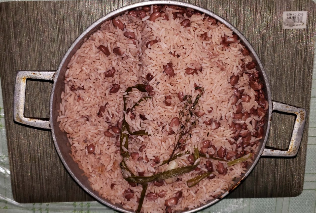 jamaican_rice_and_peas_cooked_on_stove