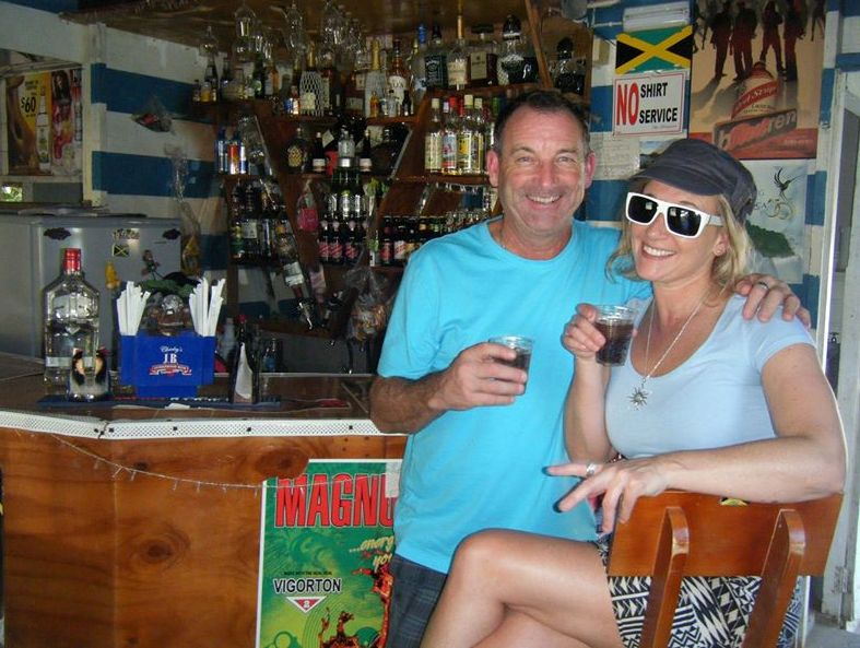 jamaica_island_tours_friends_of_rockys_at_bar