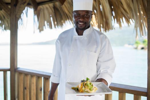 luna_sea_inn_chef