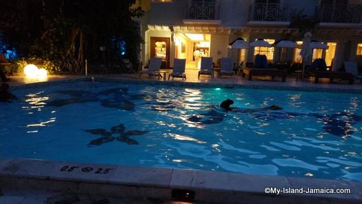 Sandals_MontegoBay_pool_view_at_night