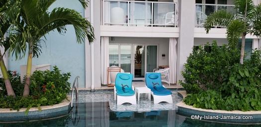 Sandals_MontegoBay_swim_up_pool2