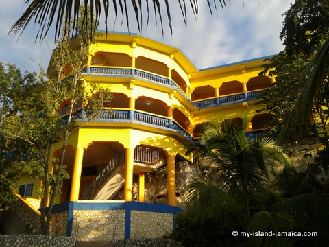 attractions_in_negril_jamaica_blue_hole_mineral_bath_hotel