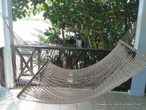 cheap_holidays_in_jamaica_idlers_rest_hotel_hammock