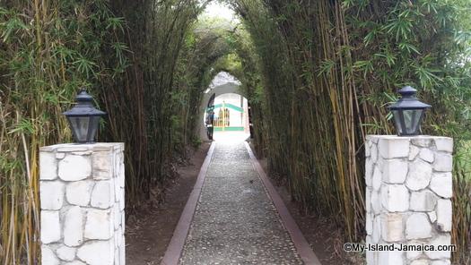 cheap_hotels_in_montego_bay_sea_gardens_resort_abmiance