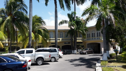 cheap_hotels_in_montego_bay_sea_gardens_resort_colonial_charm