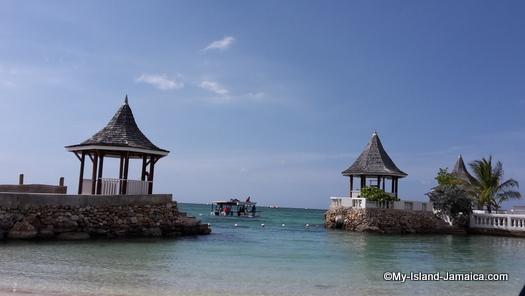 cheap_hotels_in_montego_bay_sea_gardens_resort_private_beach