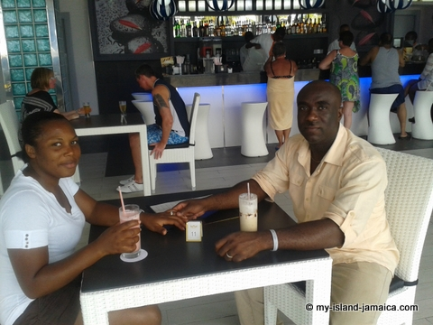 chill_out_bar_and_grill_rui_palace_jamaia