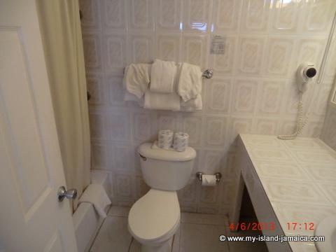 club_ambiance-bathrooms