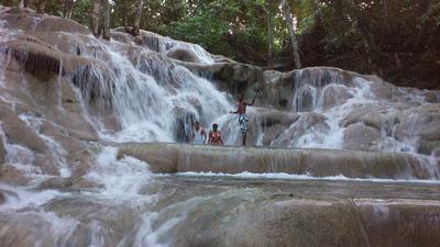 Extreme Vacation 2016 - Climbing Dunn's River Falls
