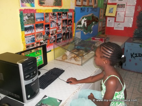 kids computer room at fdr resort