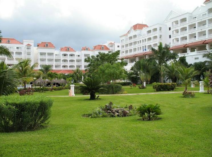 gran_bahia_jamaica_garden_view