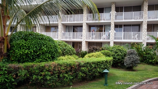 holiday_inn_montego_bay_hotel_rooms
