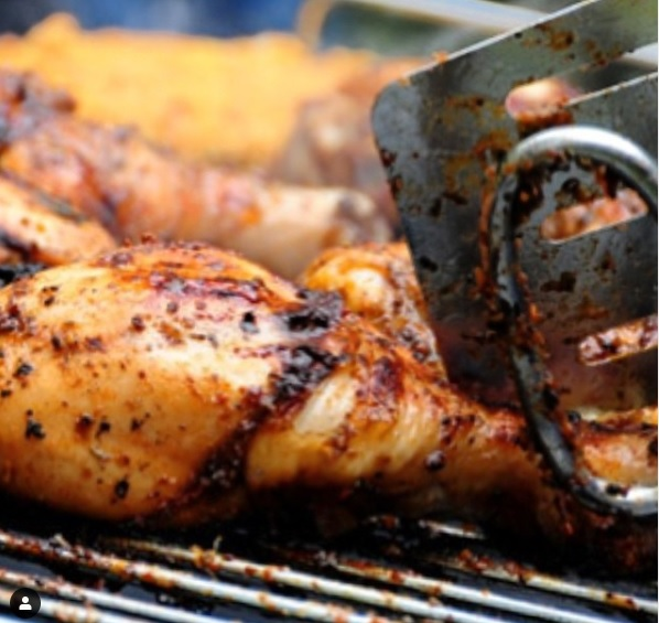 how_to_make_jamaican_jerk_chicken_with_pimento_wood_and_leaves