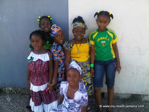 jamaica_day__children_posing_dresses