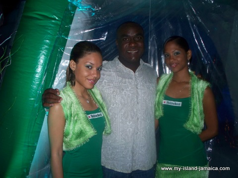 jamaica_jazz_and_blues_2010_heineken_girls
