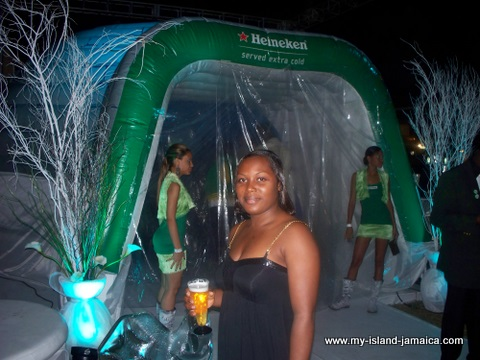 jamaica_jazz_and_blues_2010_tasha_at_booth