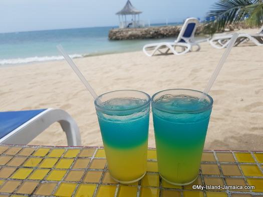 jamaica_vacation_wellesley_anniversary_2018_carletta_special_bar_drink_decameron