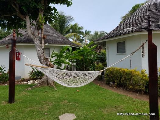 jamaica_vacation_wellesley_anniversary_2018_decameron_hotel