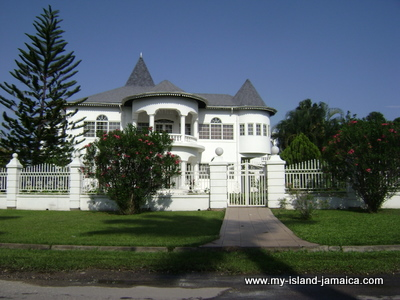 Jamaican houses untainted pictures of typical houses in for Jamaican house designs