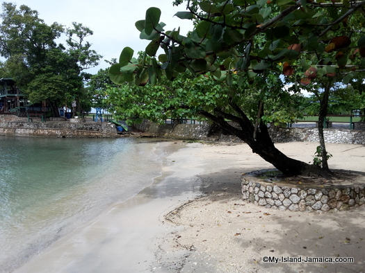 james_bond_beach_oracabessa_side_view