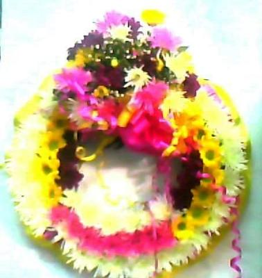 Round Wreath with Spray
