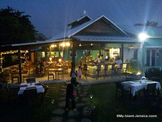 luna_sea_inn_restaurant