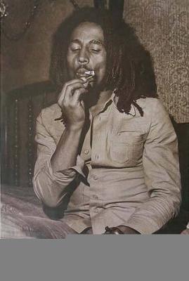 Bob Marley Smoking