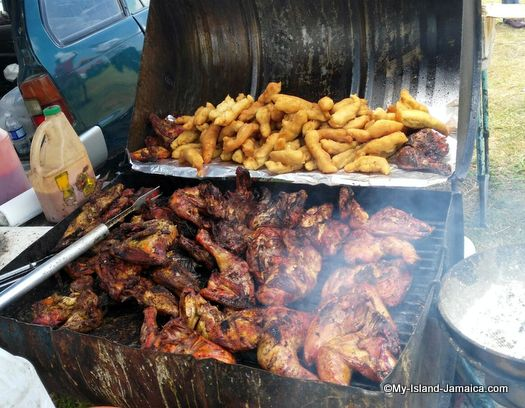 munro_college_jamaica_jerk_chicken_at_graduation