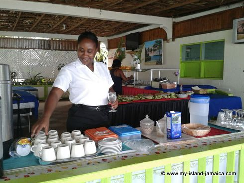 negril_jamaica_all_inclusive_resorts_breakfast_at_Fun_holiday_beach_resort