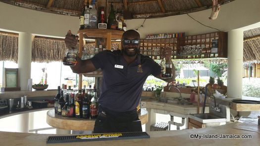 bartender dwayne at the spa retreat 2016