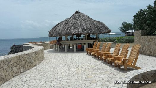 negril_jamaica_resorts_the_spa_retreat_hotel_beach_side_bar