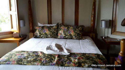 negril_jamaica_resorts_the_spa_retreat_hotel_bedroom