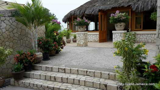 negril_jamaica_resorts_the_spa_retreat_hotel_entrance