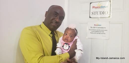 nylah_amira_gayle_1month_old_with_daddy_wellesley_gayle_jamaican_father_and_baby_3.jpg