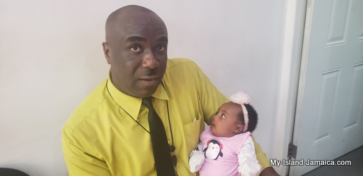 nylah_amira_gayle_1month_old_with_daddy_wellesley_gayle_jamaican_father_and_baby_6