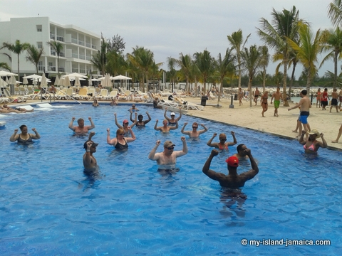 pool_aerobics_at_riu_palace_jamiaca