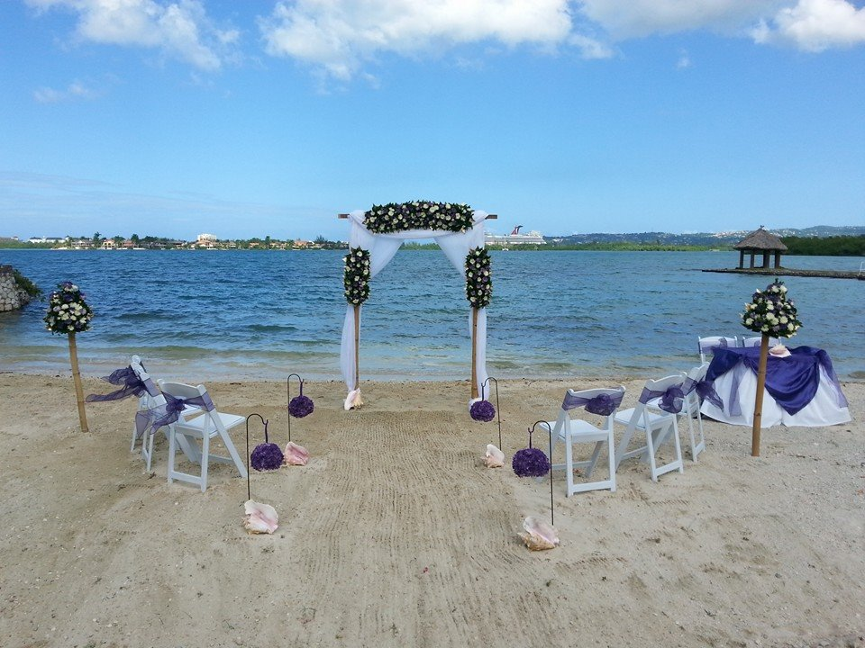 pretty beach_wedding_jamaica.