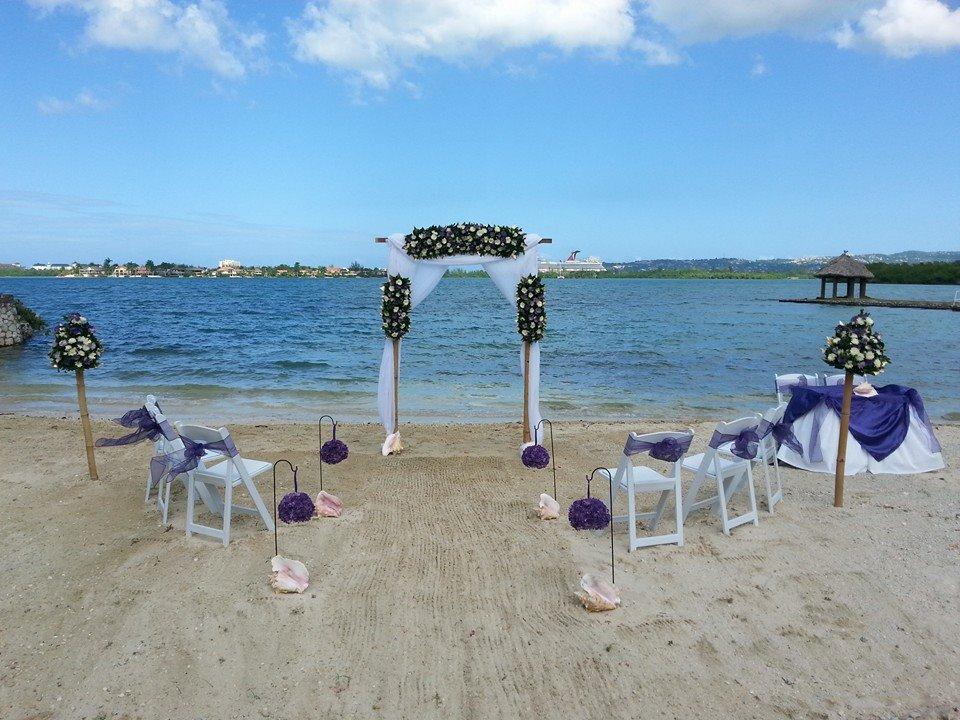 pretty beach_wedding_jamaica.