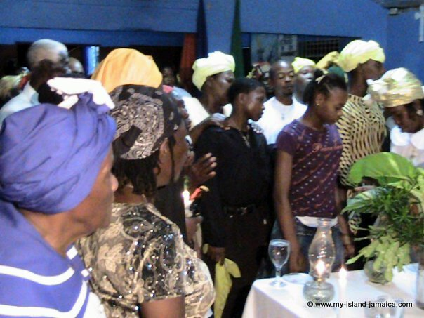 revivalism_in_jamaica_congregation_ceremony
