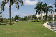 ritz_carlton_jamaica_elegant_lawn