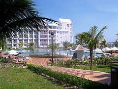 riu_resort_jamaica_lawn_view