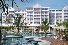 riu_resort_jamaica_ocho_rios_pool_view