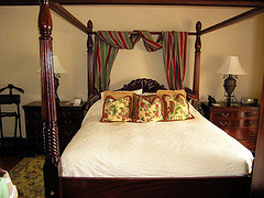 royal_plantation_jamaica_bed