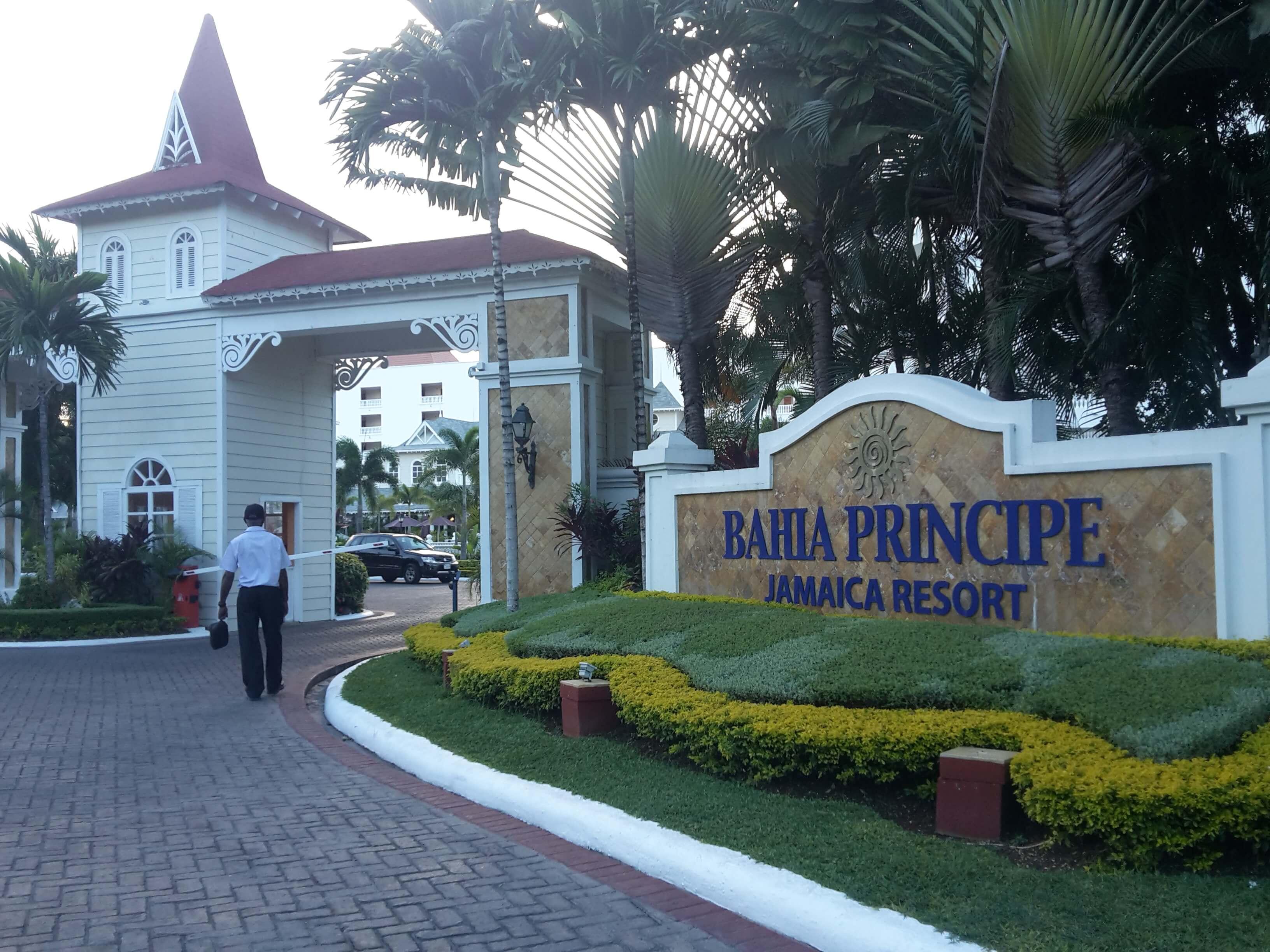 runaway_bay_bahia_principe_hotel