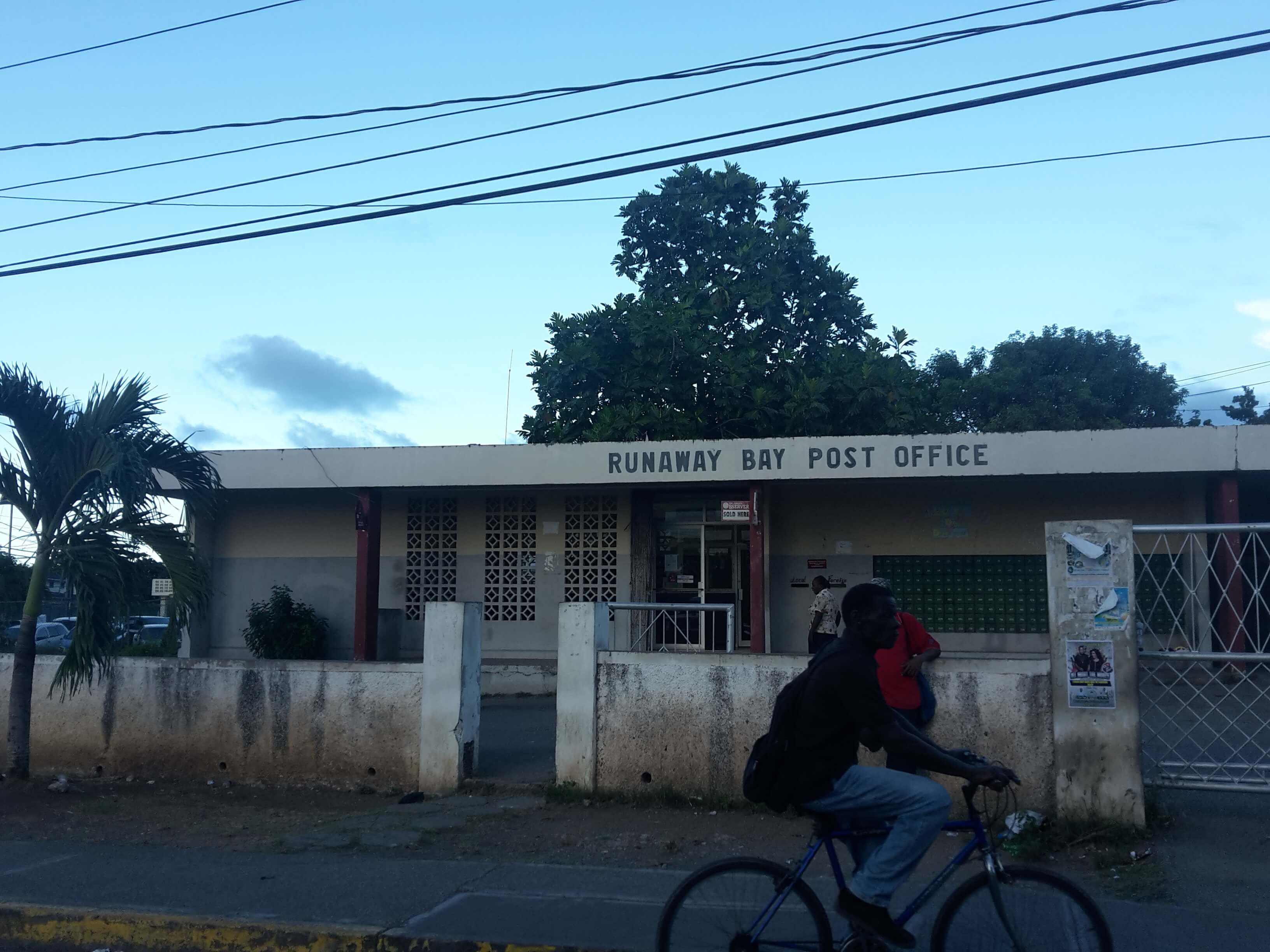 runaway_bay_post_office