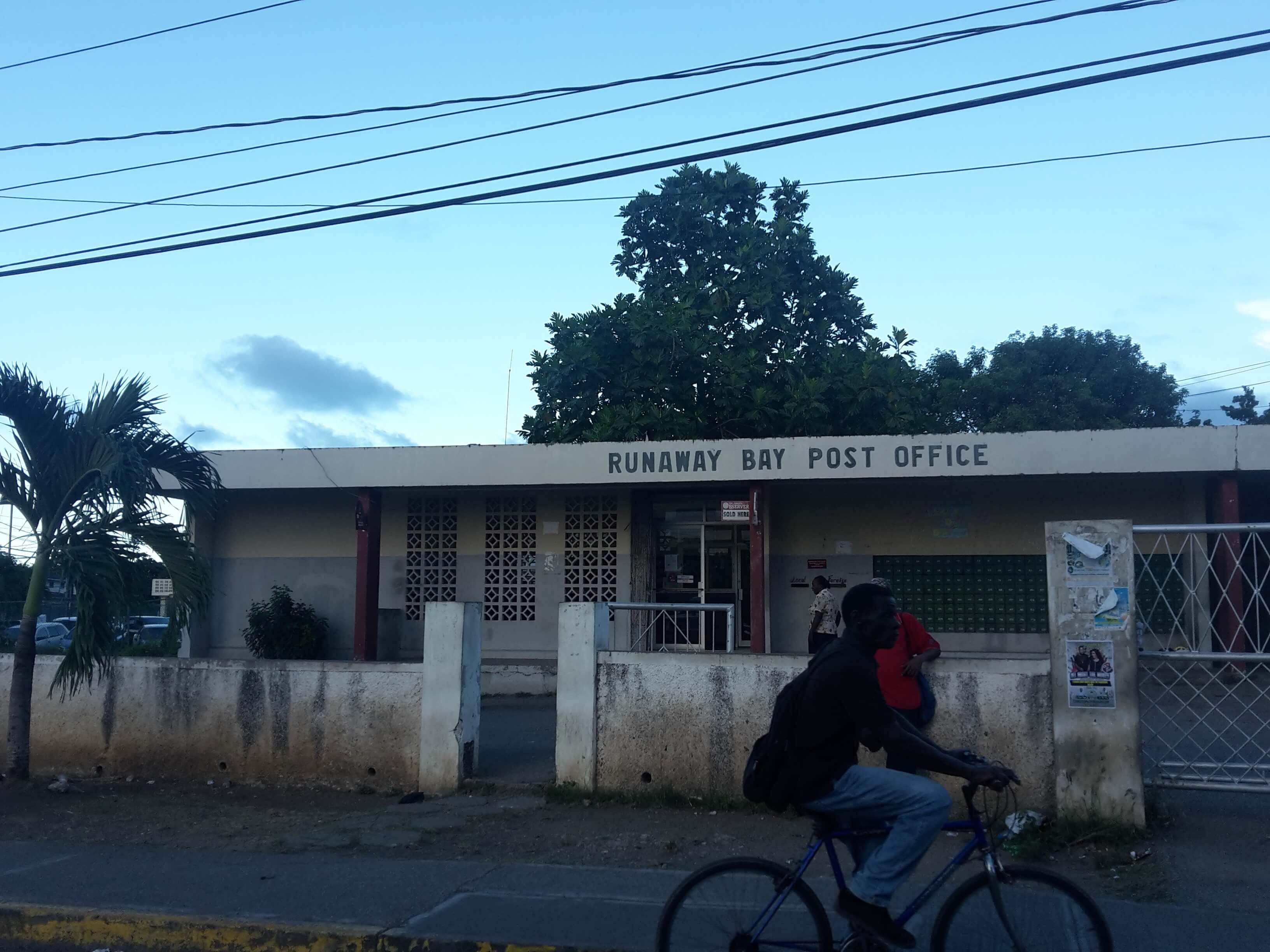 runaway_bay_post_office