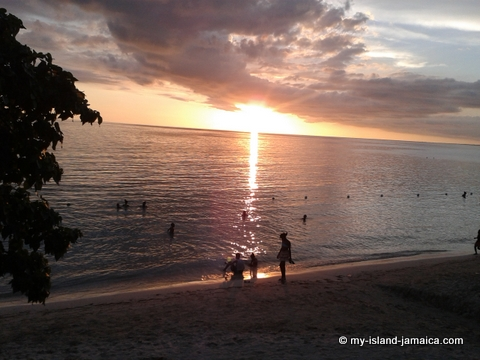 sunset at bluefields beach