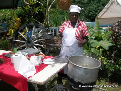 lady baking Jamaican pudding