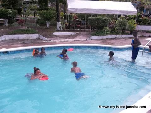 tapioca jamaica pool